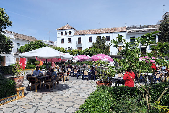 Cozy square in estepona