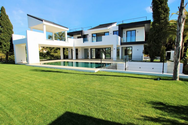 Luxury Villa for sale in Las Chapas