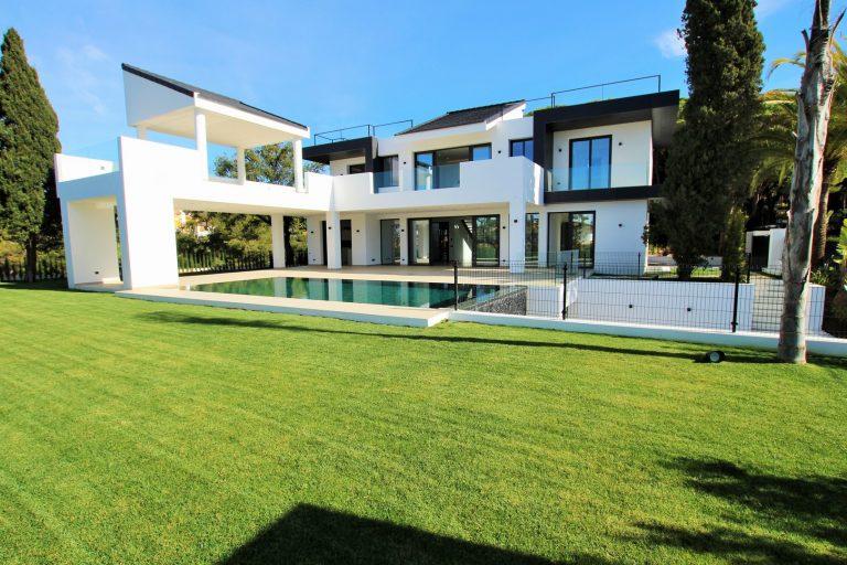 Luxury Villa for sale in Las Chapas
