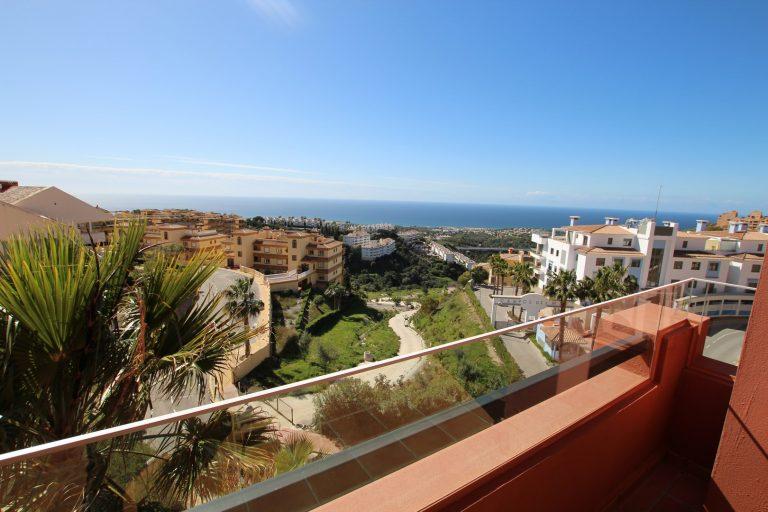 Beautiful apartment for sale in Calahonda