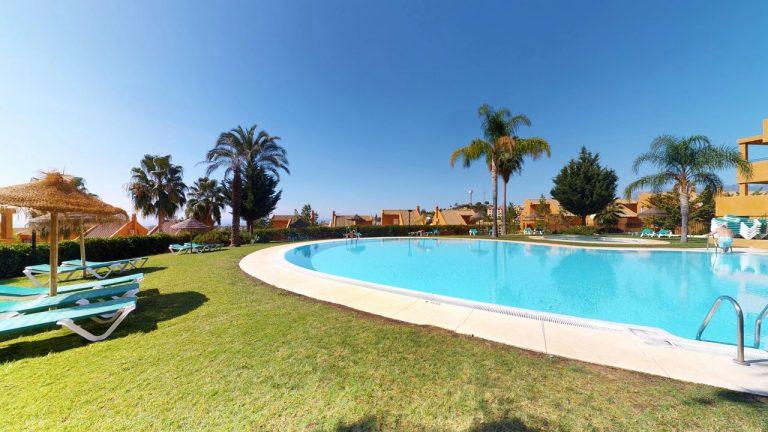 penthouse for sale in los lagos de santa maria elviria marbella
