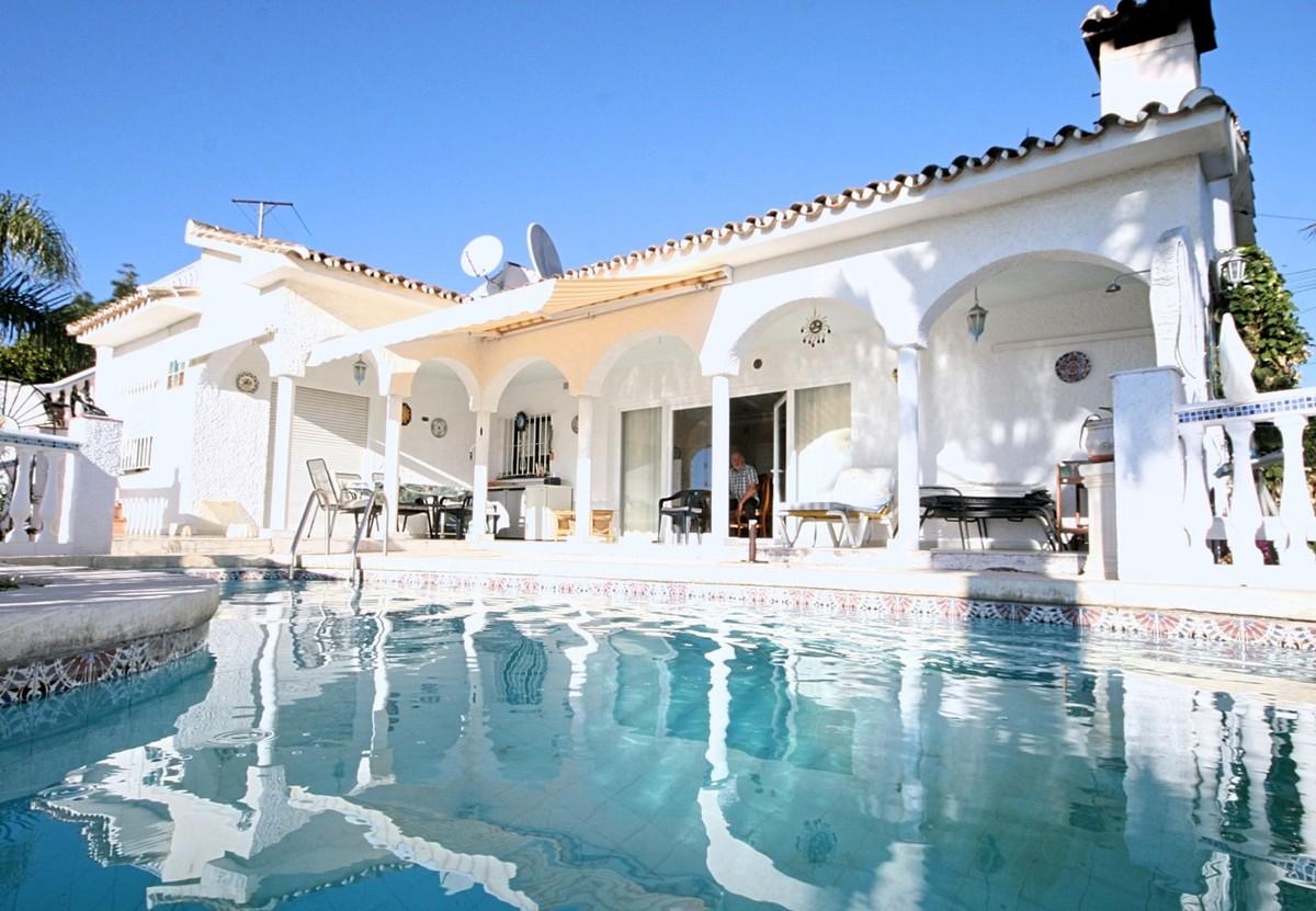 Villas for sale Calahonda